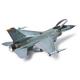 Tamiya 1/72 Lockheed Martin F-16 CJ Fighting Falcon