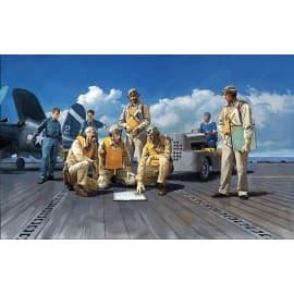 Tamiya 1/48 WWII US Navy Pilots With Tug